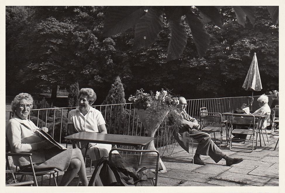 1968: Terrasse