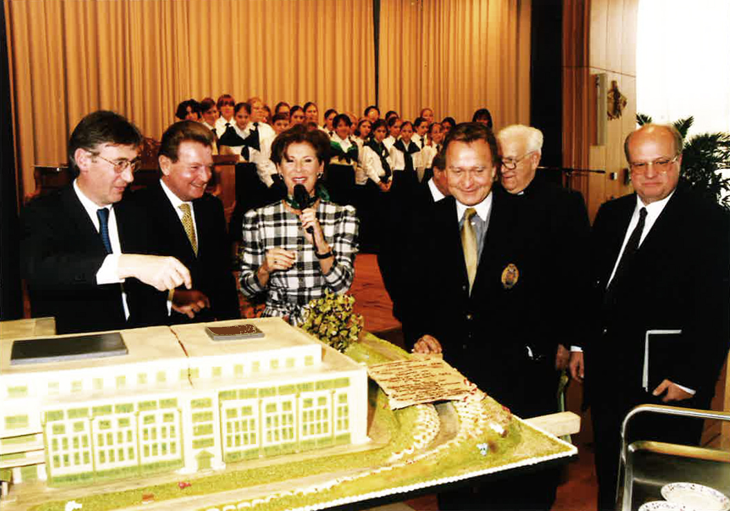 1998: Vergrößerung Seniorenwohnanlage